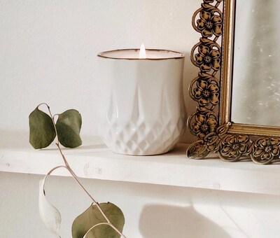 Astrid - Cedarwood - Hyggelight Growing Candle