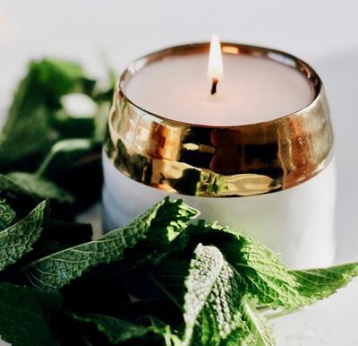 Clara - Cedarwood - Hyggelight Growing Candle