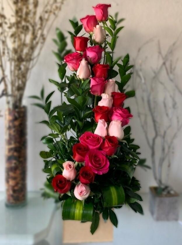 Arreglo de 24 rosas clásico en S