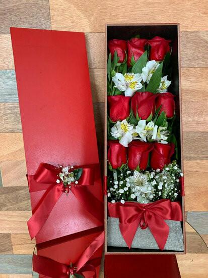 Caja Francesa de 12 rosas