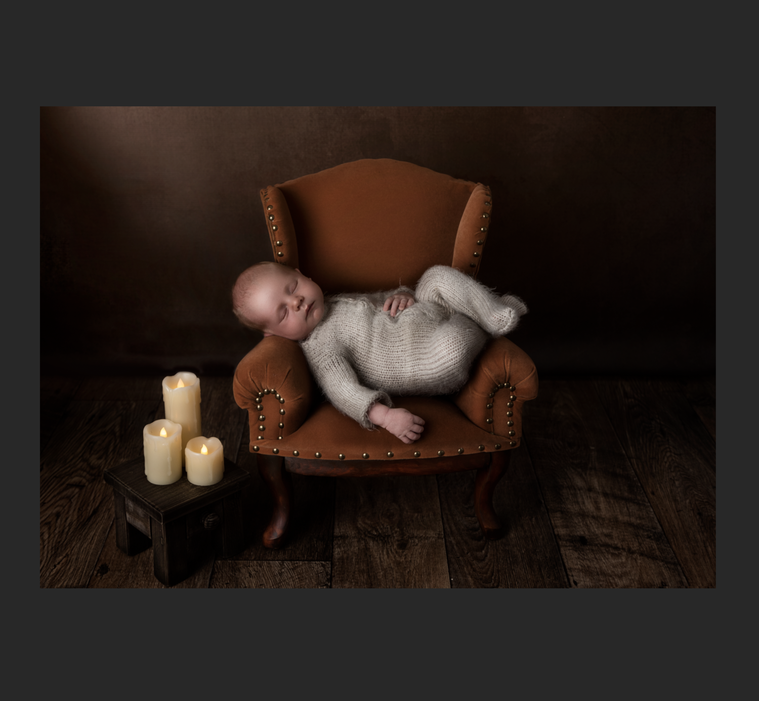 Newborn session upgrade fee: Silver to Gold