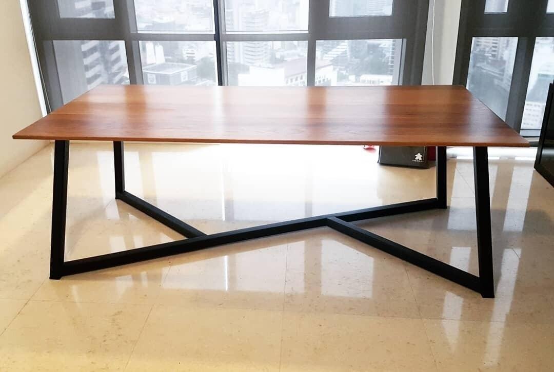 The Socialist Dining Table