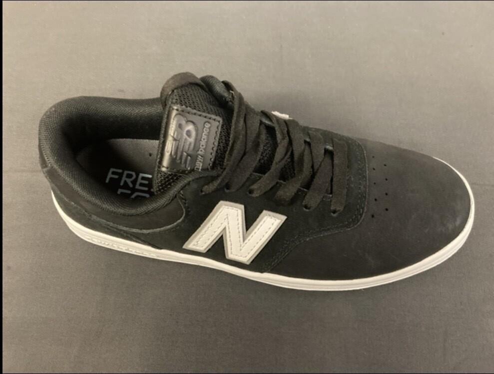 New Balance - AM424 Size: 8