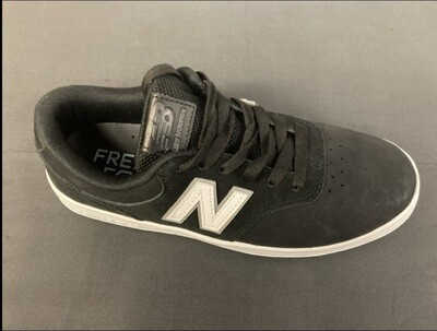 New Balance - AM424 Size: 8