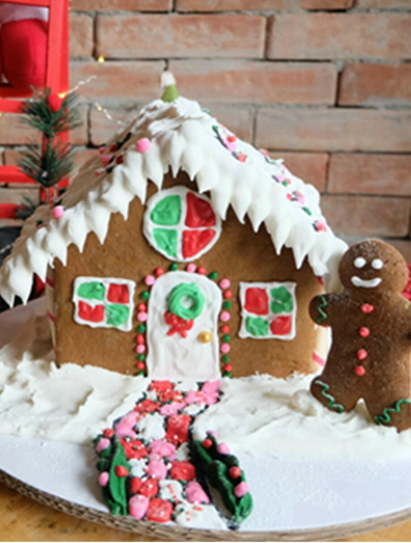 Mesclun Gingerbread House Kit