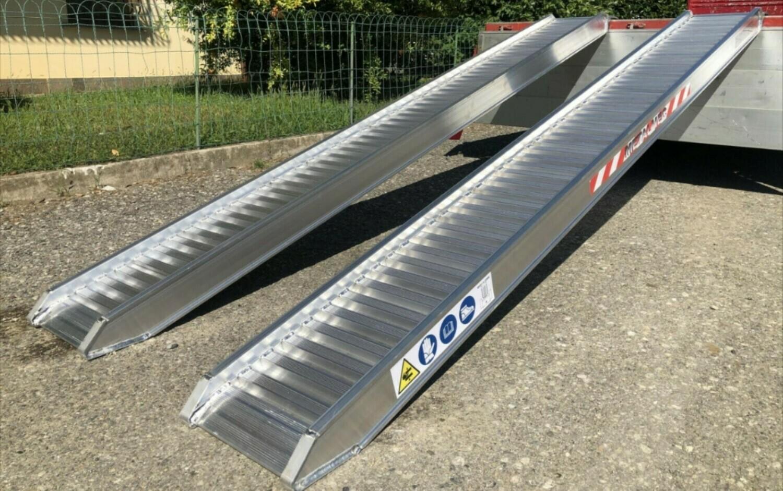 Rampes de chargement 3,0 m x 30/36 cm - 1750 kg