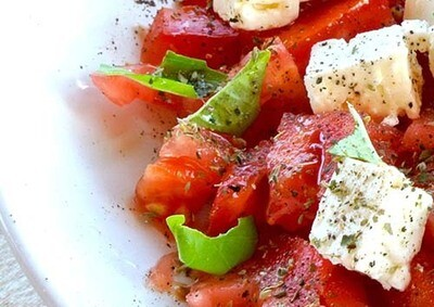 Slaatje tomaat mozzarella / 1 persoon