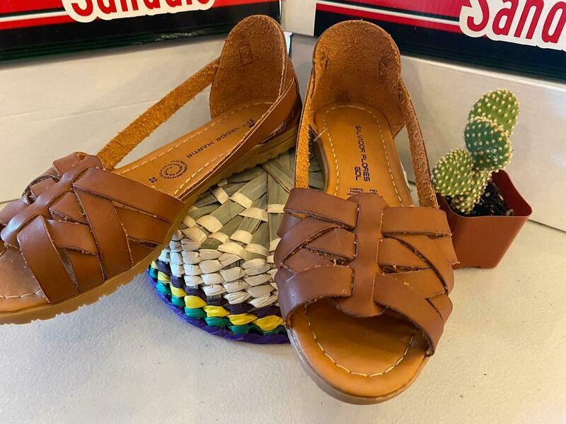 069-03 Sandals lightBrown