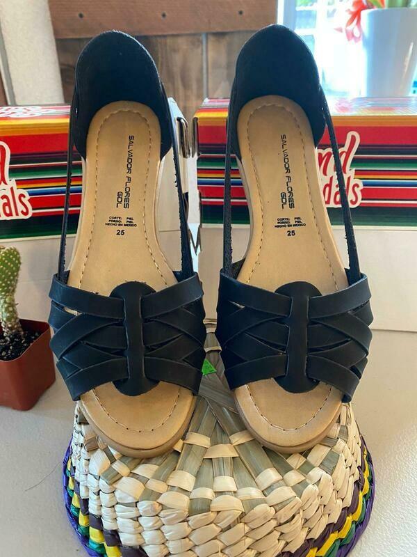 069-07 Sandals Black