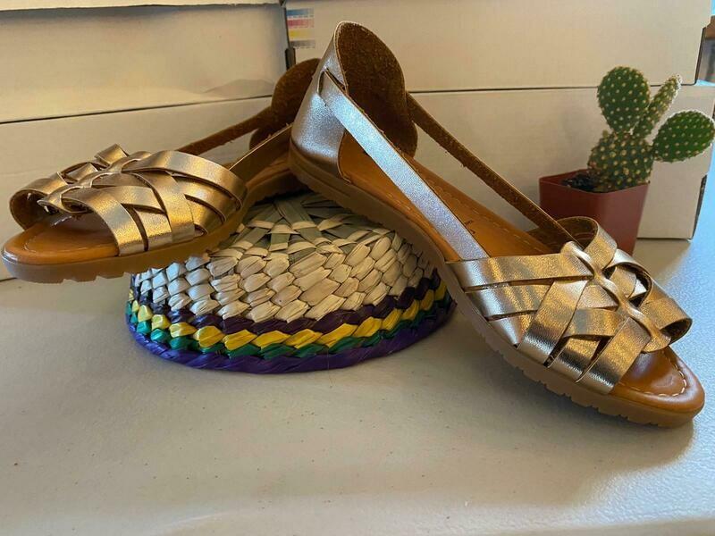069-02 Sandals ThreeGold
