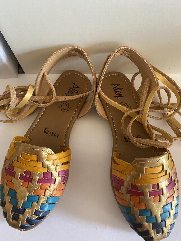884-01 Girls Color Lace-up Sandals