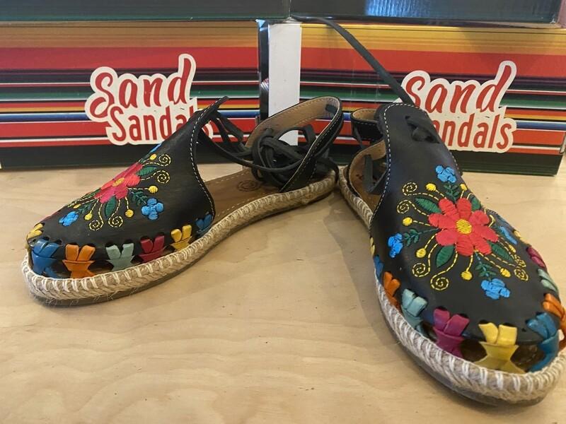908-01 LU Sandal Black W/Floral