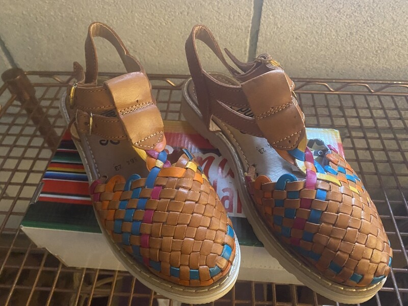 982  Basket Tan Colors 1/2 heel