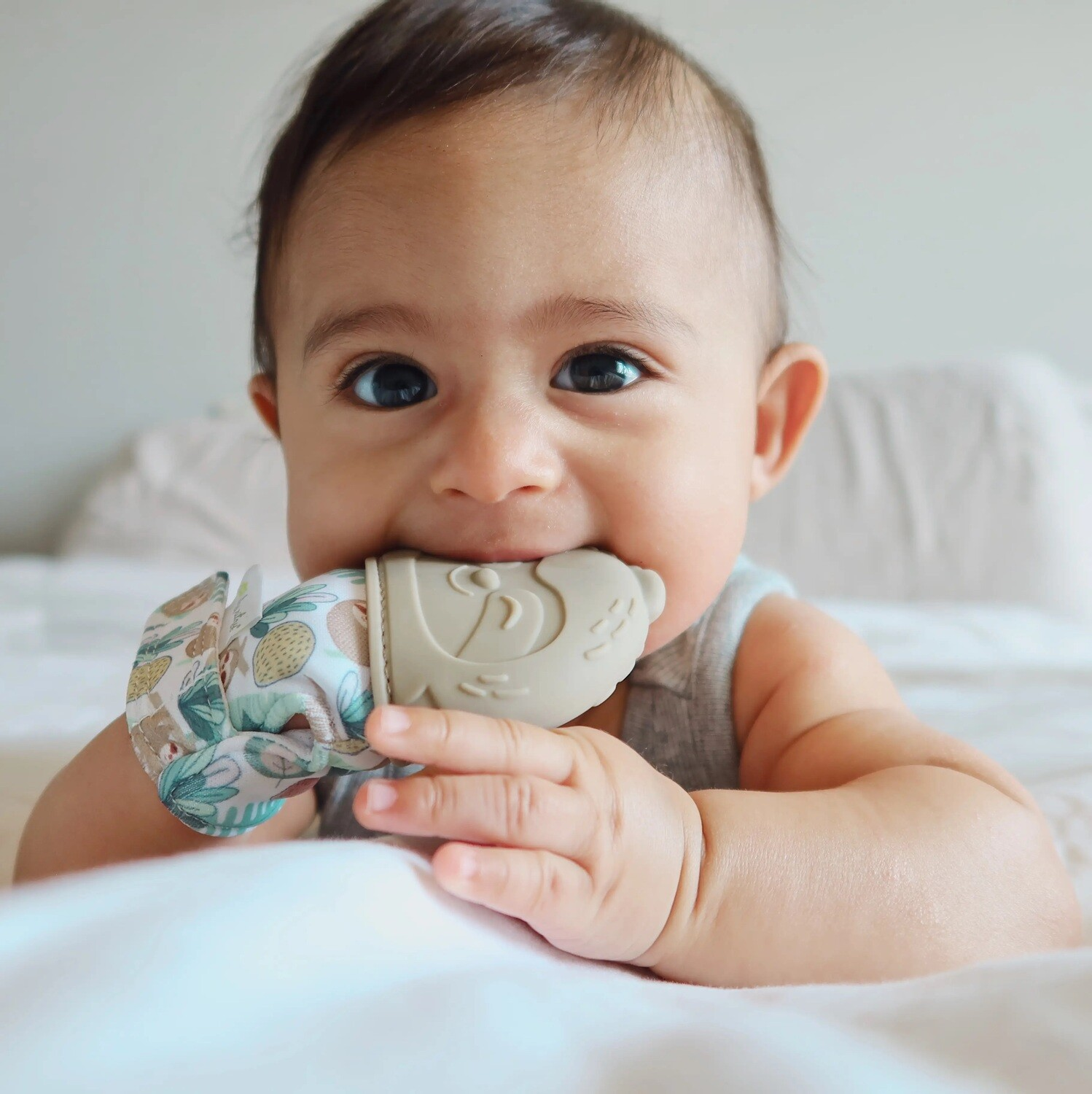 Itzy Ritzy Silicone Teething Mitt (Sloth
