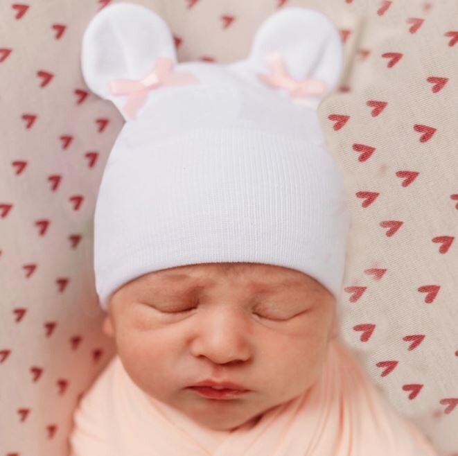 ILYBEAN White Bear Ears With Tiny Pink Bows Beanie