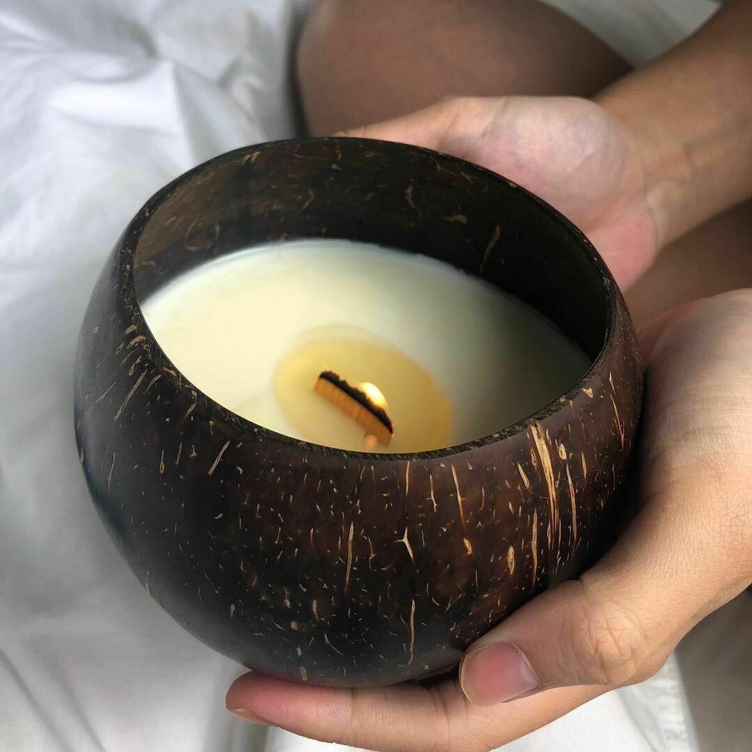 Свеча ароматическая в скорлупе кокоса