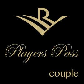Players Pass Couple 00008