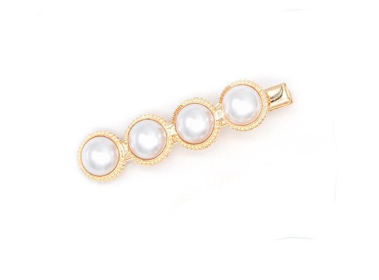 White pearls studded hair slide