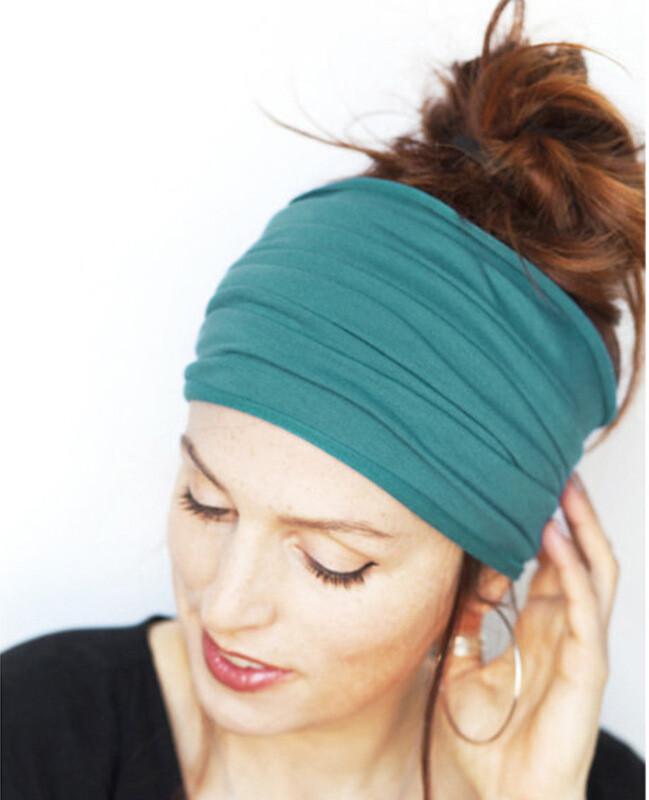 Solid colour multi-purpose seamless head wrap