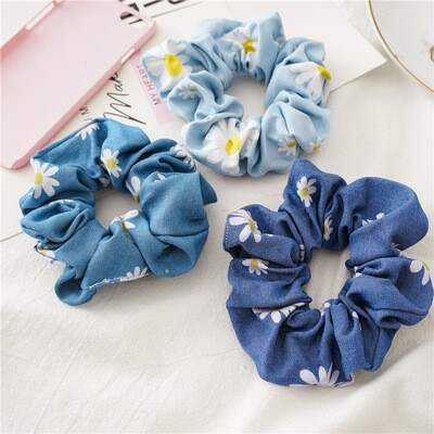 Denim scrunchies in daisy flowers printing