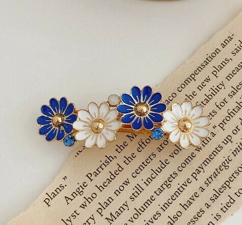 Coloured metallic daisy flowers hair barrette