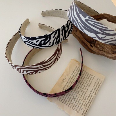 Ribbed cotton headband in zebra stripes