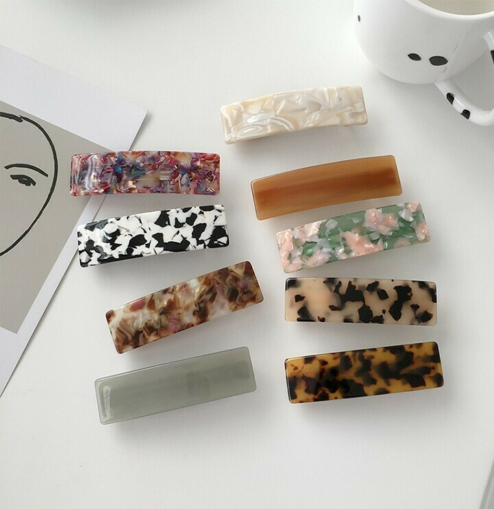 Resin hair barrette in assorted colours
