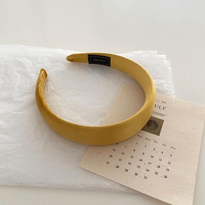 Glossy velvet headband