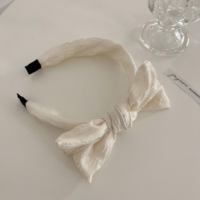 Shell white headband with bow
