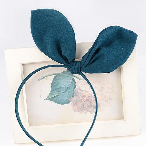 Plain headband with bow
