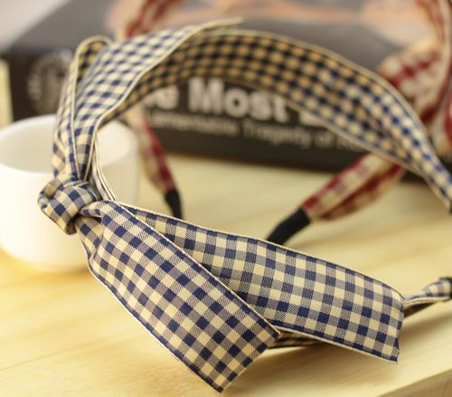Elegant checkers headband with bow