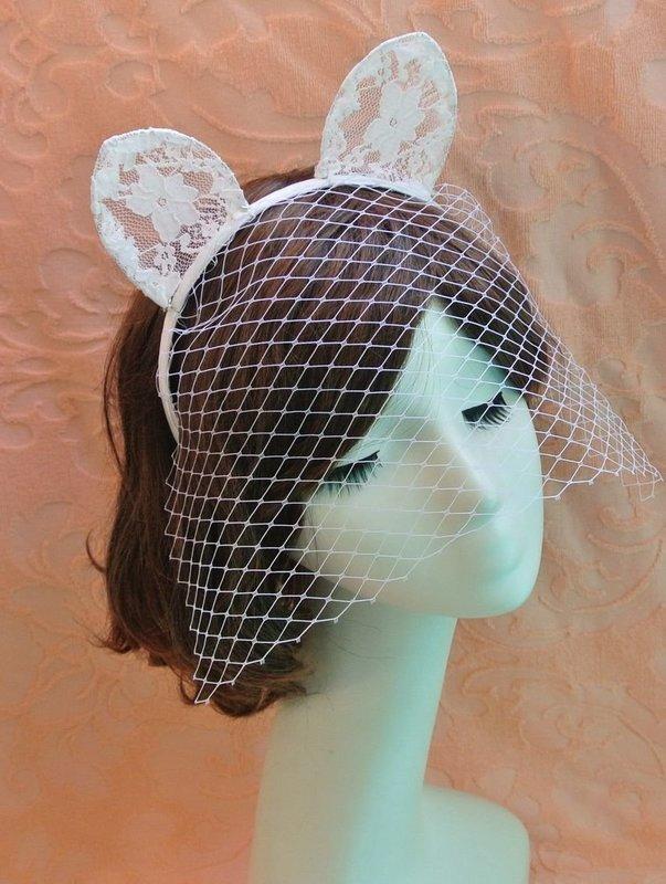 Lace cat ears with gauze veil