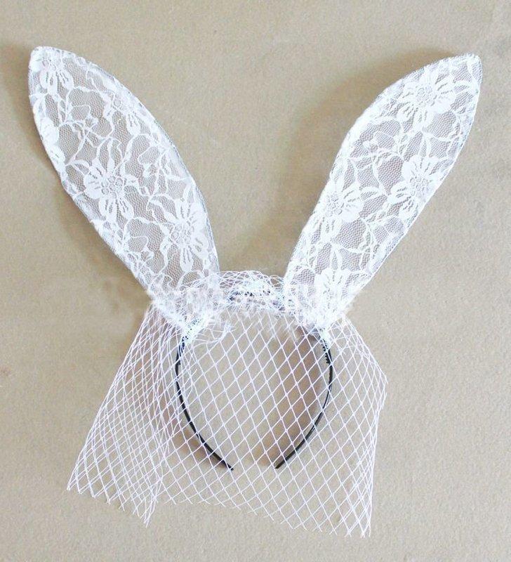 Lace bunny ears with gauze veil