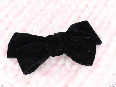 Velvet bow hair barrette