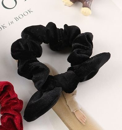 Velvet scrunchies with bow