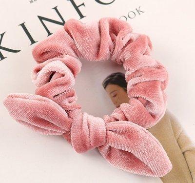 Velvet scrunchies with bow