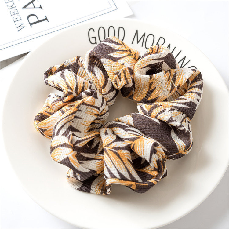 Leaves print scrunchies