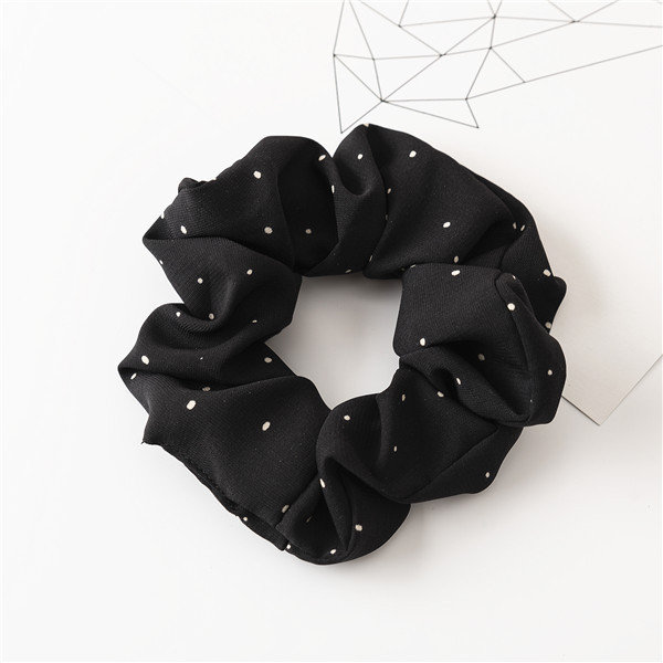Small dots scrunchies