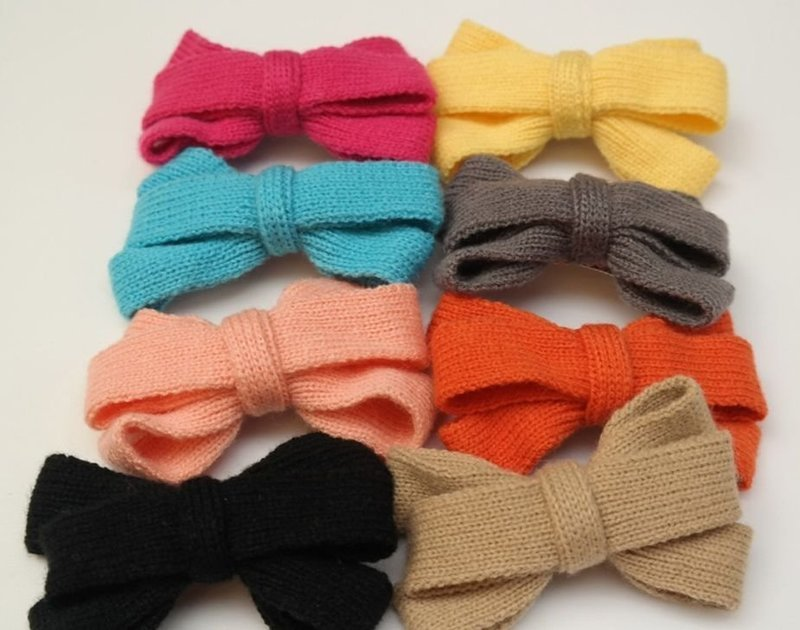 Knitted bowknot hair clip
