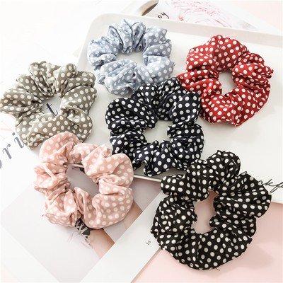 Polka dots scrunchies