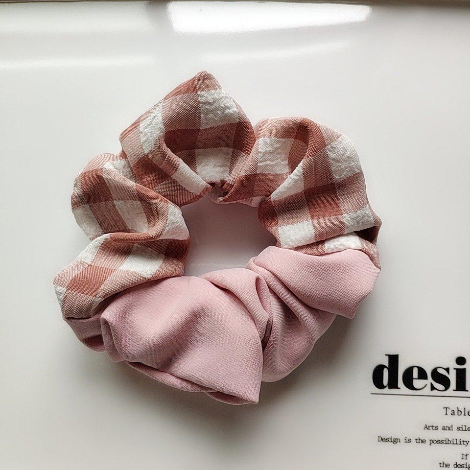 Plain checks mixed scrunchies