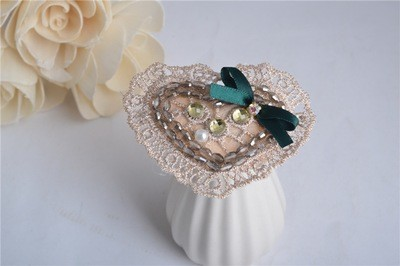 Lace sweet-heart hair clip
