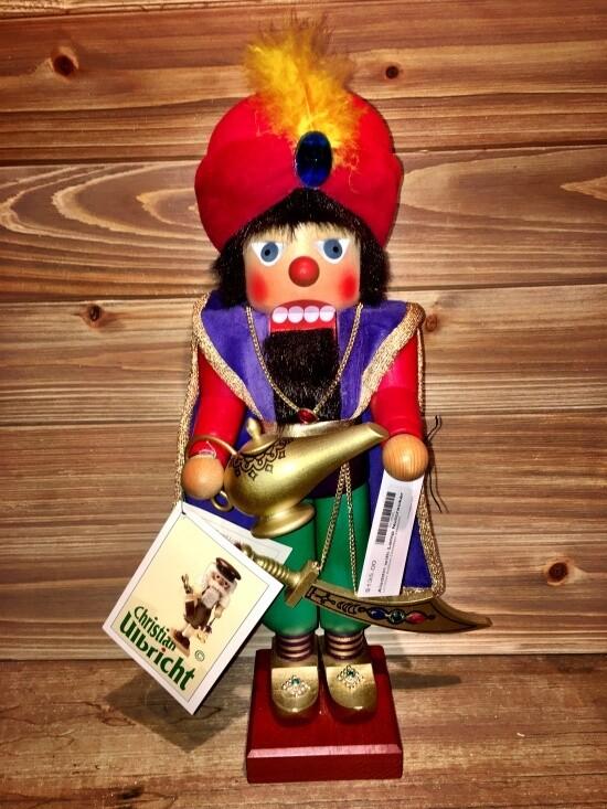 Aladdin with Lamp Nutcracker