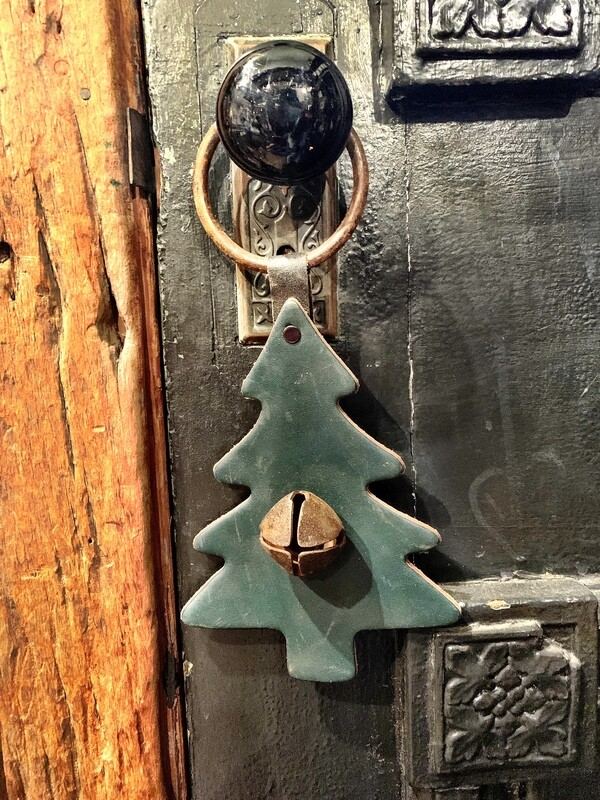 Door Hanger - Pine Tree Rusty