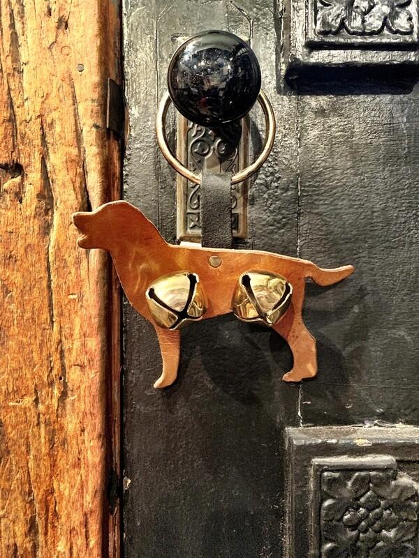 Door Hanger - Dog LT Brown Tan