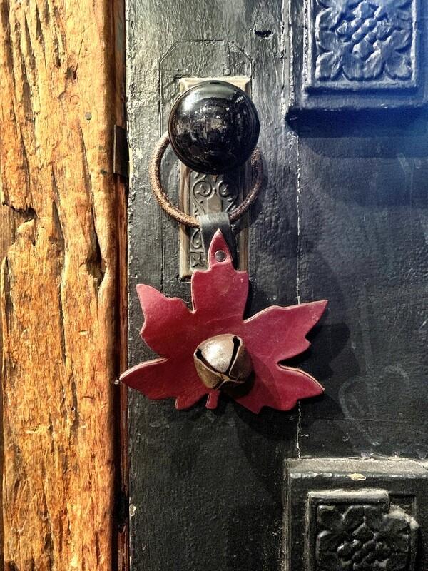 Door Hanger - Maple Leaf Brown Rusty