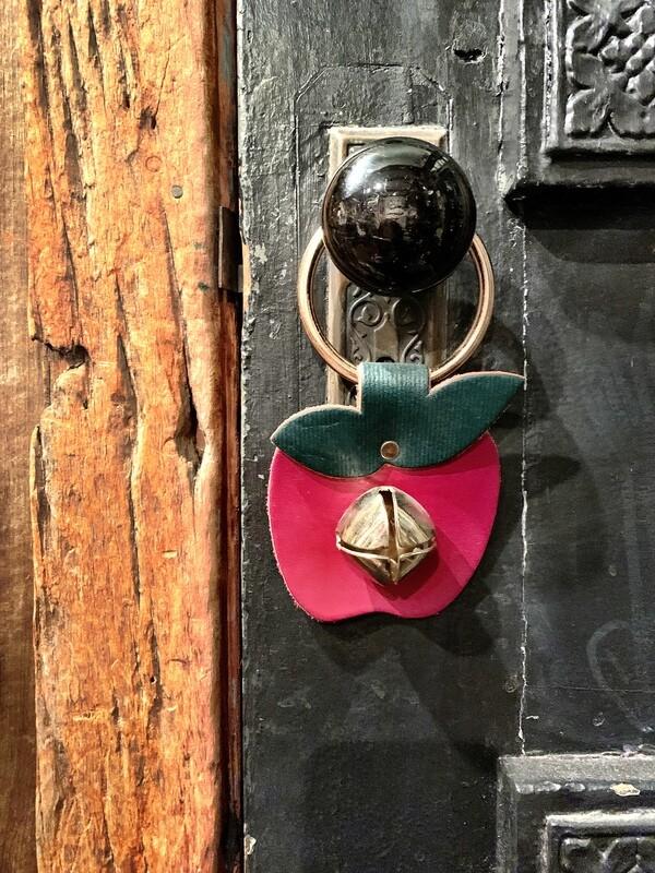 Door Hanger - Apple