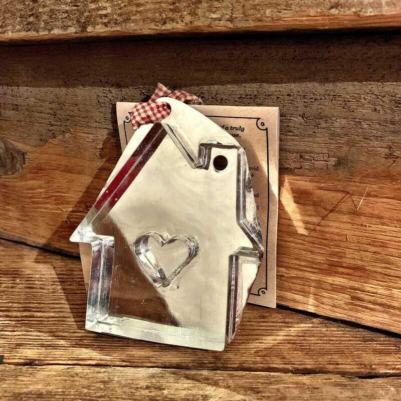 House w/Heart Cookie Cutter