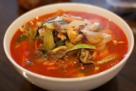 SSS: Spicy Seafood Soup - Jjamppong (짬뽕)
