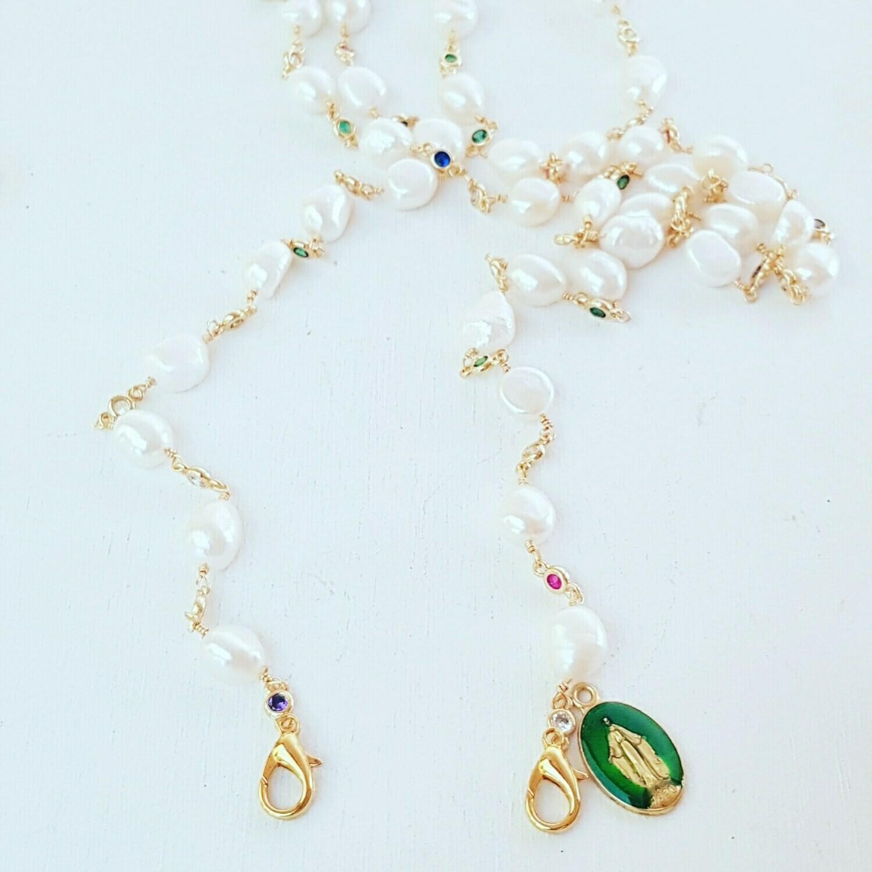 Cuelga-Mascarillas perlas y Virgen
